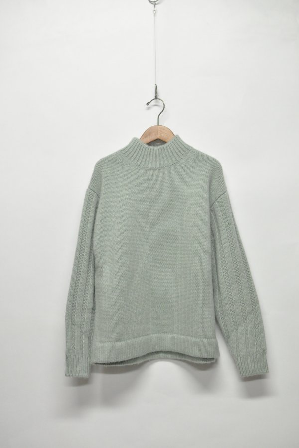 GGF ALPKA SWEATER