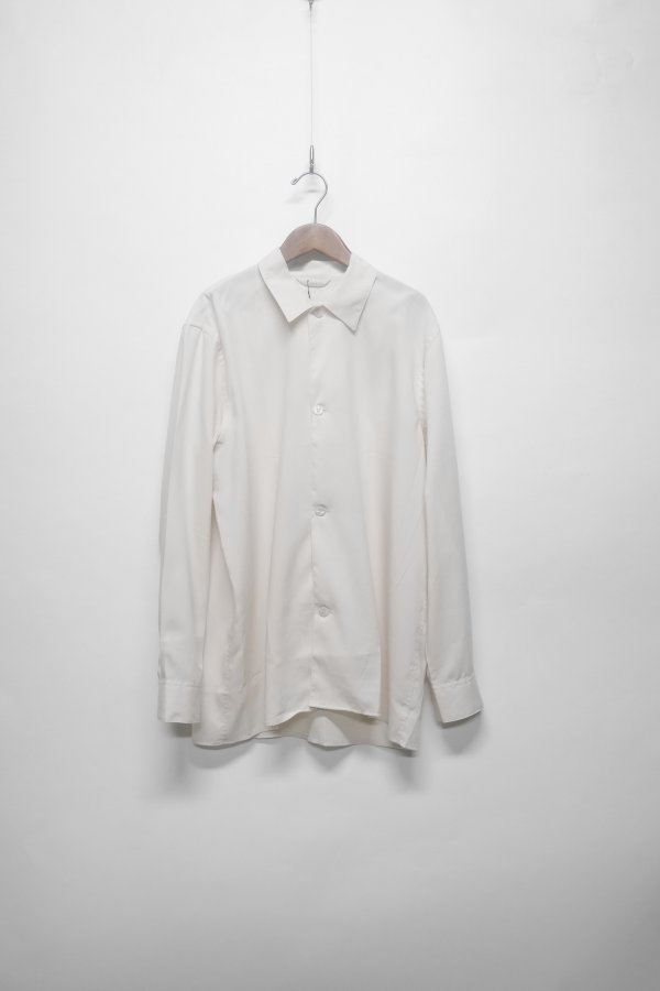 SHIRT IN A RELAXED FIT WITH 5 BUTTONS